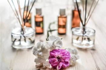 Olejki aromaterapeutyczne na jesień — poradnik