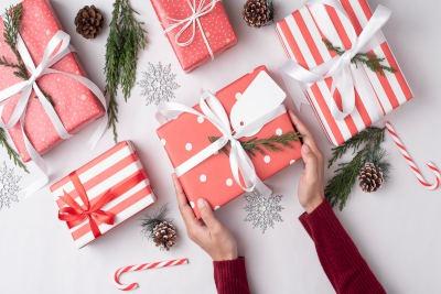 4 zestawy kosmetyczne na prezent świąteczny